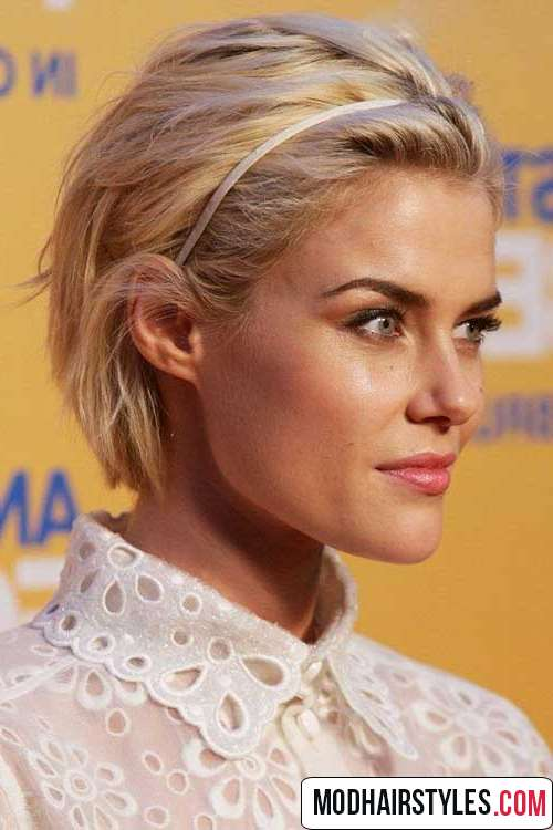 2016 short blonde hairstyle