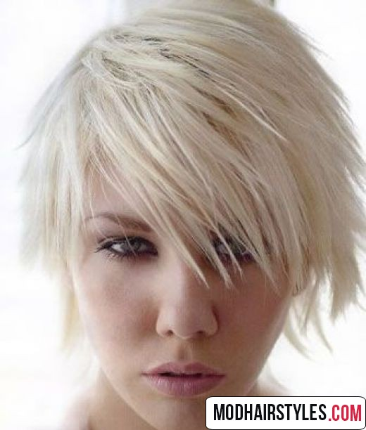 Layered short hairstyles and haircut trends