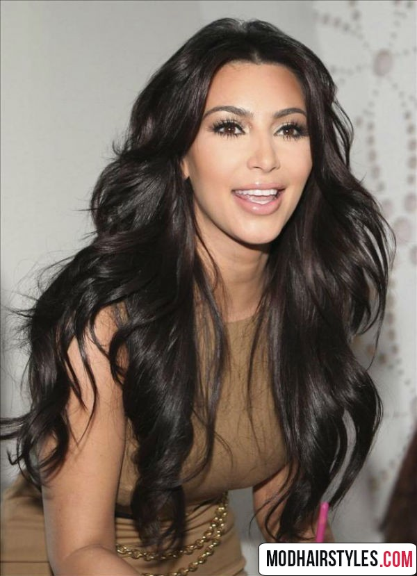 stylish long wavy hair idea for black color