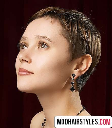 cute short hair for round face
