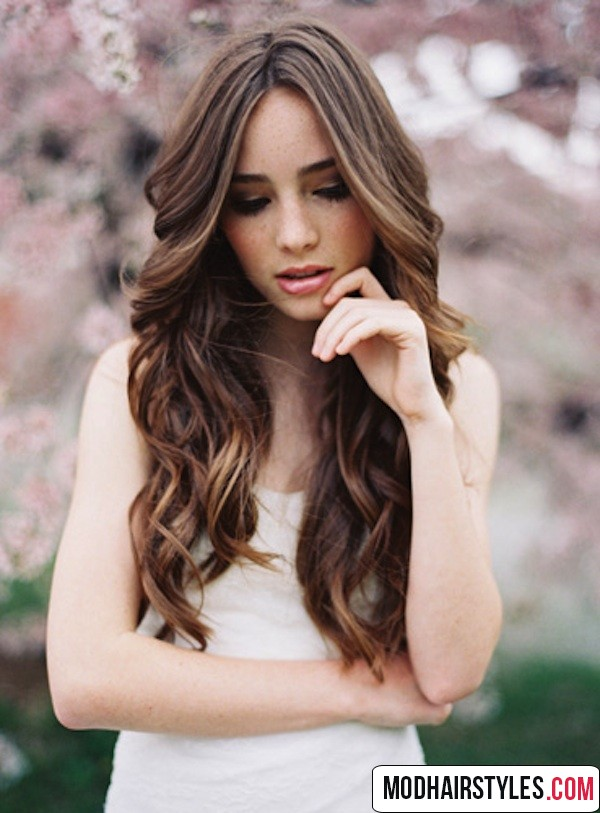 long wavy hairstyle ideas for women